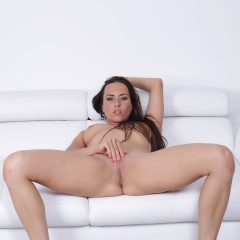 Mea Melone Gallery - http://free.melonechallenge.com/971tchallenge/gallery/thumbs/014-240x240.jpg?ri=250000000&rs=100000000