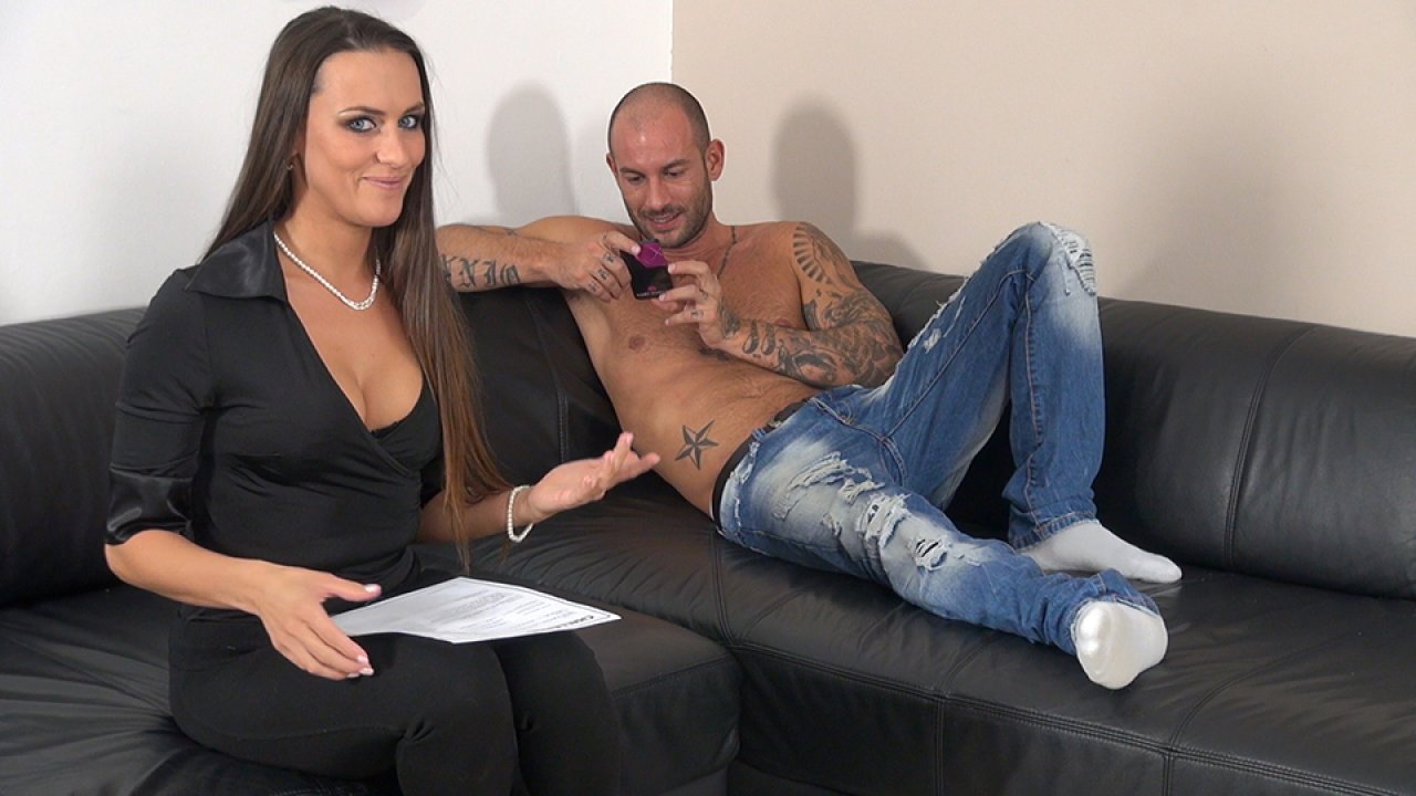 Mike Angelo ­- Anal squirt