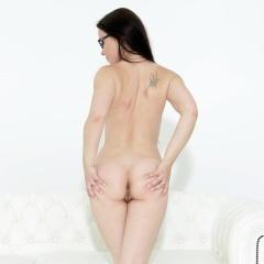 Melone Gallery - https://free.melonechallenge.com/138wchallenge/gallery/thumbs/017-240x240.jpg?ri=250000000&rs=100000000