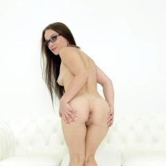 Melone Gallery - https://free.melonechallenge.com/152wchallenge/gallery/thumbs/014-240x240.jpg?ri=250000000&rs=100000000